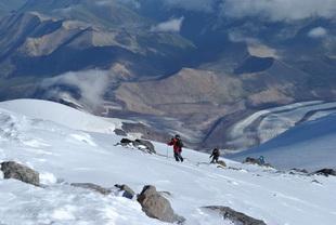 К вершине Эльбруса с Запада