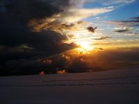 Вечер на плато 4500. Эльбрус с Запада